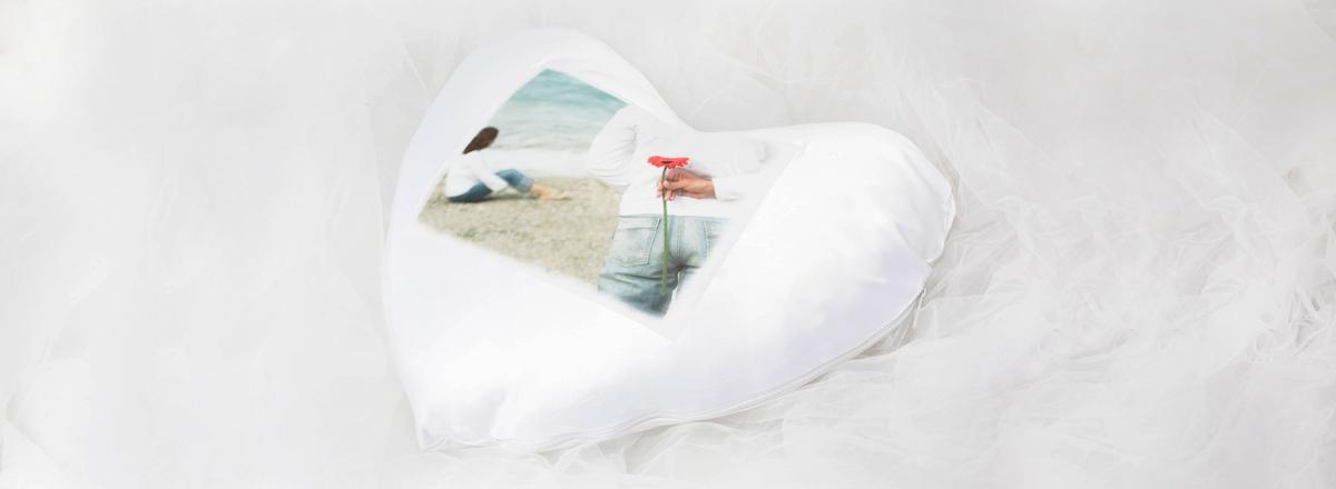 polsterbezug und herzkissen mit ihrem foto. Black Bedroom Furniture Sets. Home Design Ideas