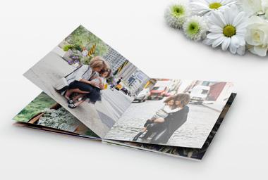Ein Fotoalbum als persönliches Fotogeschenk zum Muttertag